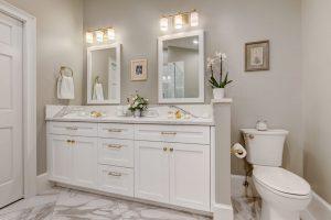 Master Vanity & Toilet